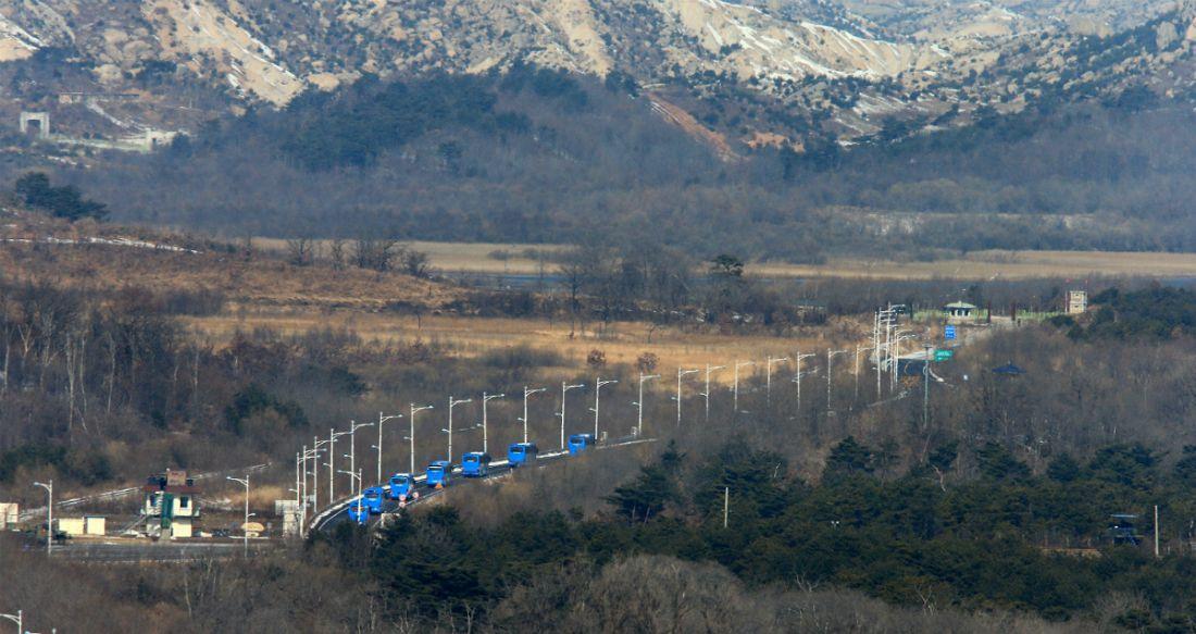 [뒤끝작렬] 美 '고무줄 잣대'에 노트북도 없이 방북한 취재진