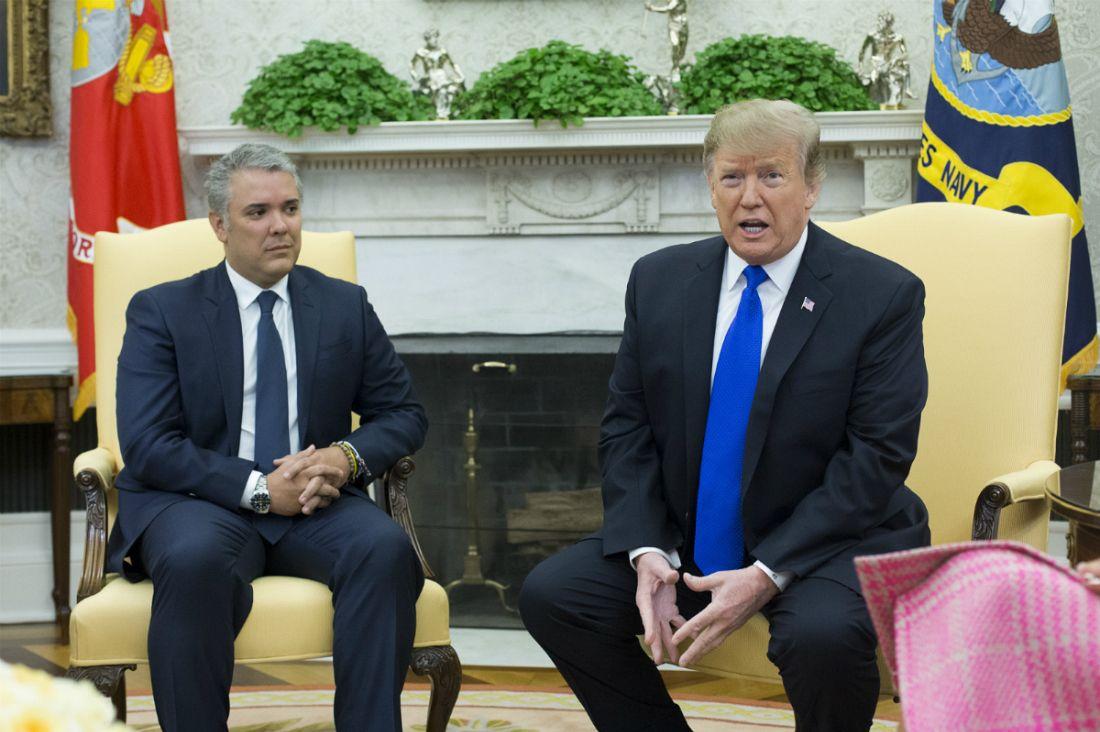 """트럼프, """"베네수엘라에 모든 옵션 고려"""""""