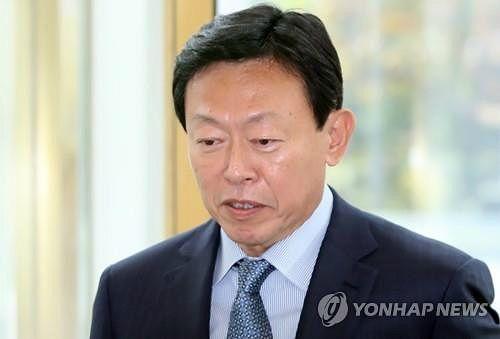 신동빈, 日롯데 경영복귀…호텔·제과 상장 '속도'