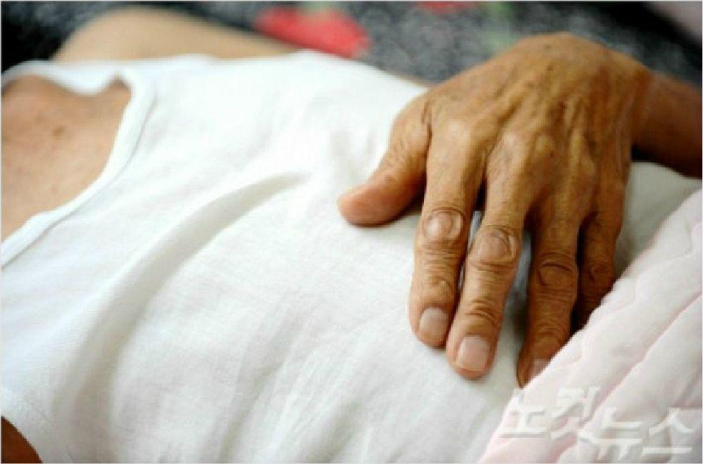 효심도 막지 못한 치매…음지에서 고통받은 치매가족 여전