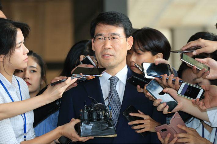 '정운호 게이트' 수사 유출 의혹 부장판사, 혐의 부인