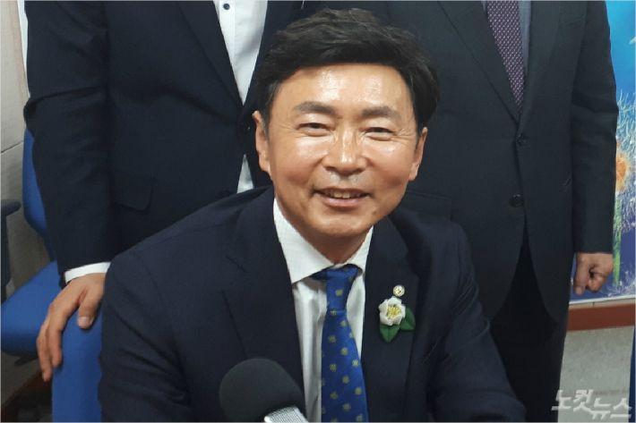 """[대담] 김철우 보성군수 """"새로운 보성녹차 시대 열어야"""""""