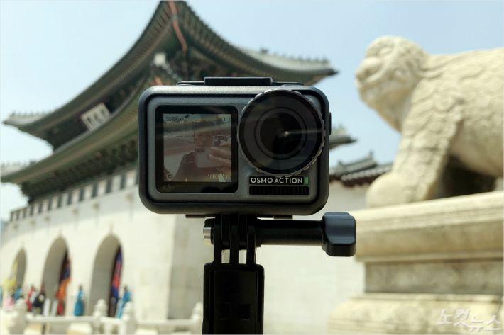 DJI '오즈모 액션' 리뷰: 셀카족을 위한 듀얼 스크린 액션캠