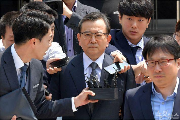 """2013 김학의 수사팀장 """"경찰이 허위보고나 하는 집단인가?"""""""