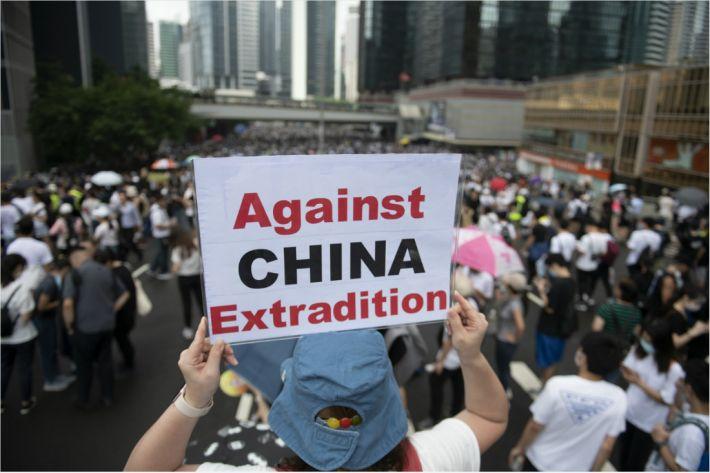 홍콩시민 반대 '범죄인 인도 법안' 처리 무기한 연기