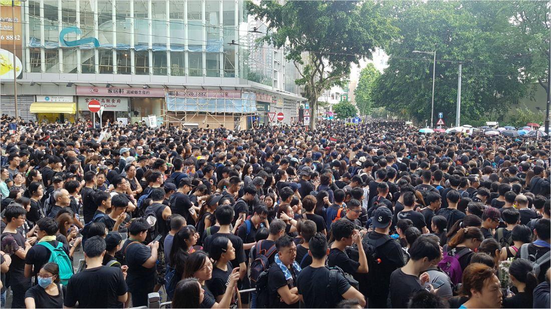"""""""홍콩 200만명 시위? 내 자식 세대 안전 생각해"""""""