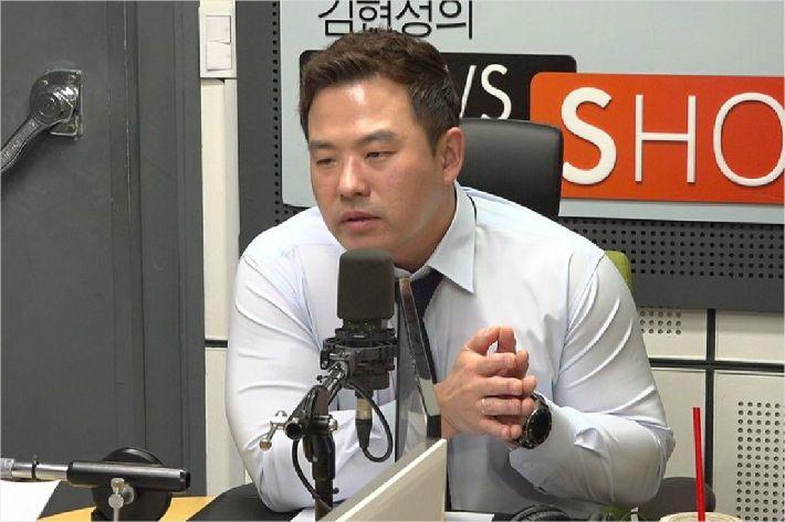 """방정현 """"YG 성접대 의혹? 늘 현금결제...증거 안남겨"""""""