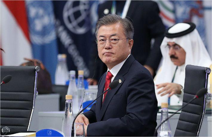 """靑 """"대북 채널 가동, 북한과 소통 원할하다"""""""