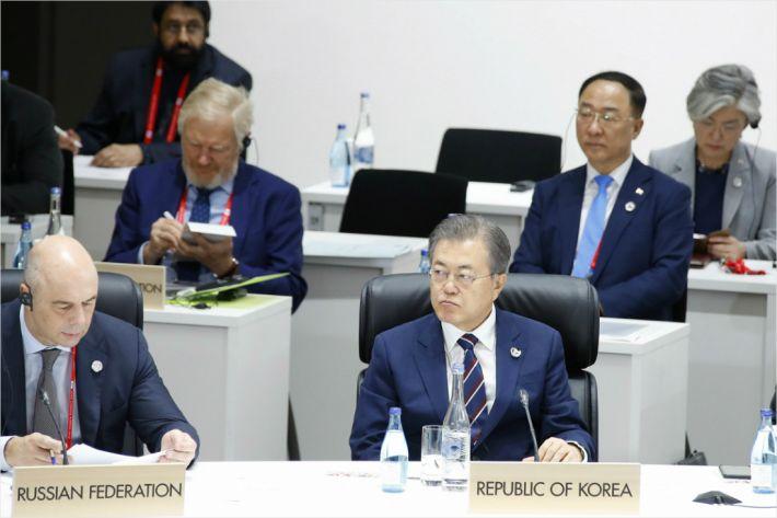 """文 """"평화는 지속가능한 발전의 초석""""…G20서 평화경제 설명"""