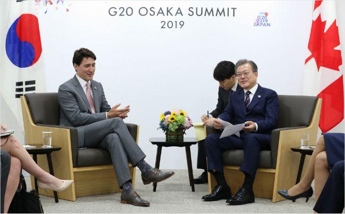 """한-캐나다 정상회담 """"전략적 동반자 관계 심화"""""""