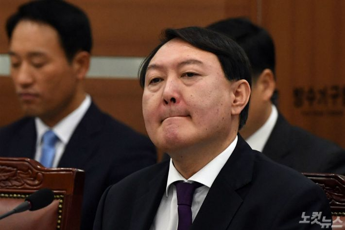 윤석열 처가 겨냥하는 한국당…檢 출신 의원 총출동