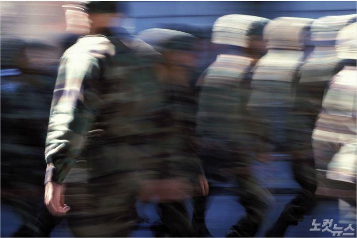 북 목선 입항 놓친 23사단 경계초소 병사 투신 사망(종합)