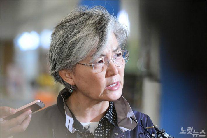 강경화, 아세안 연쇄 외교장관회의 참석차 출국