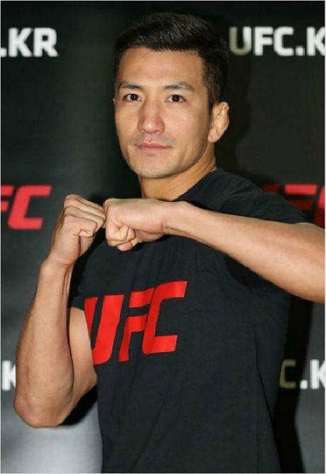 '미스터 퍼펙트' 강경호, UFC 2연승…2-1 판정승