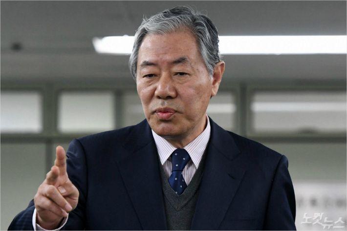 """'국정농단' 최순실측 변호인, 대법원 선고 직후 """"포퓰리즘적 판결"""" 비난"""