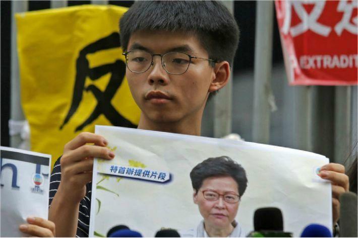 """조슈아 웡 """"홍콩 행정수반 반드시 홍콩 스스로 선출해야"""""""