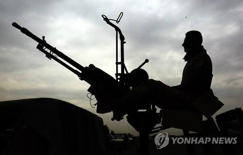 """예멘 반군 """"사우디 공격 중단…사우디 호응 기다려"""" 제안"""