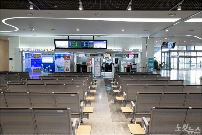 일본 여행거부 장기화…부산항국제여객터미널 업체 '고사위기'
