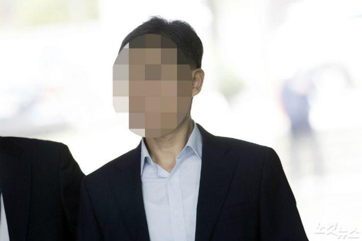 '버닝썬 경찰총장' 아내, 해외 공관 '특혜 파견' 의혹
