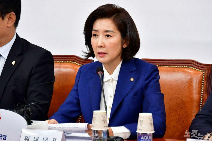 """""""조폭 중 상조폭"""" 여야, '한국당 패트 가산점'에 십자포화"""