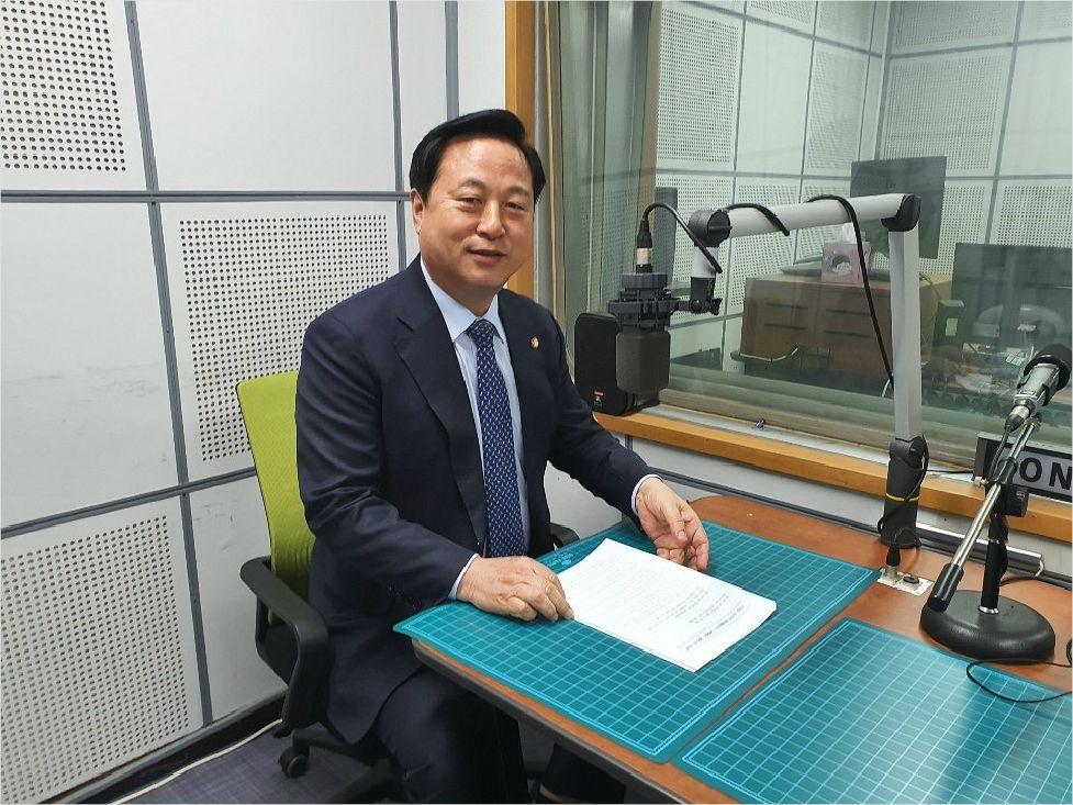 """김두관 """"2할 지방자치, 지방이양 일괄법 시급"""""""