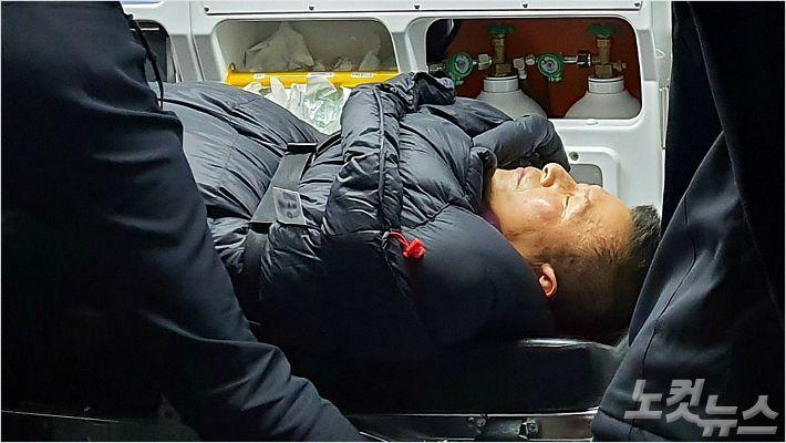 [Why뉴스] 황교안 대표 왜 단식 8일만에 병원 후송됐을까?