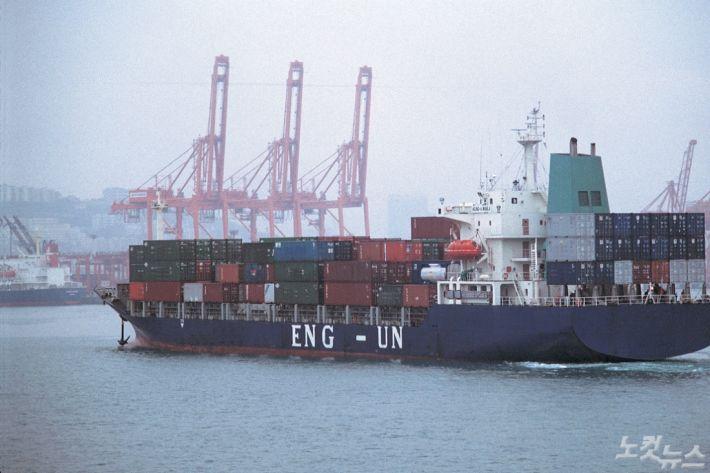 美, 32개 中 품목에 고율관세 추가 면제…무역협상에 도움?