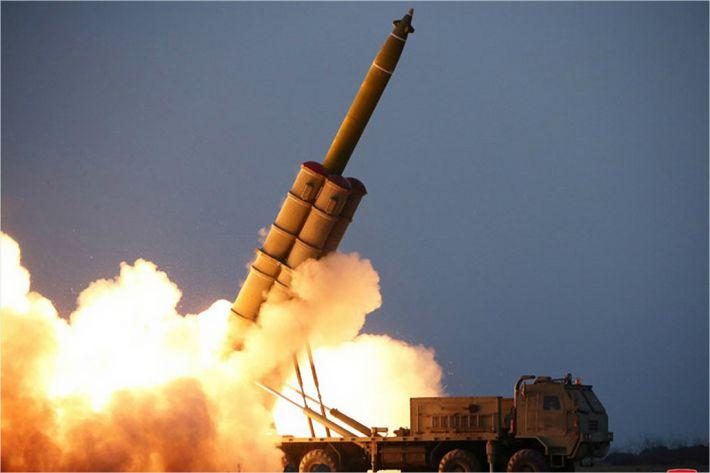 """日 """"北 올해 20발 넘는 미사일 발사…국제사회에 대한 심각한 도전"""""""
