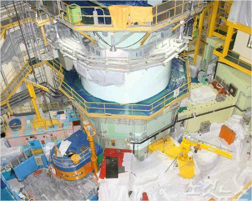 연구용 원자로 '하나로' 재가동 준비시험 중 멈춰..원인 조사