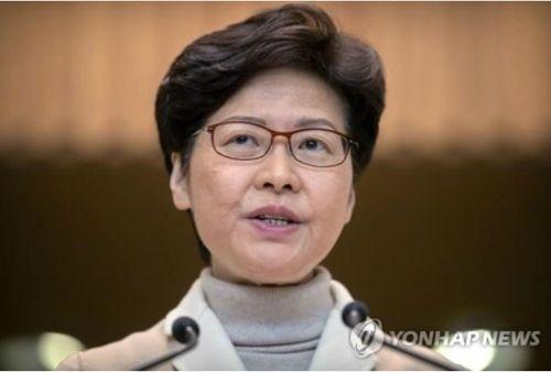 캐리 람 선거 패배 이후 첫 베이징 방문…시진핑의 메시지는?