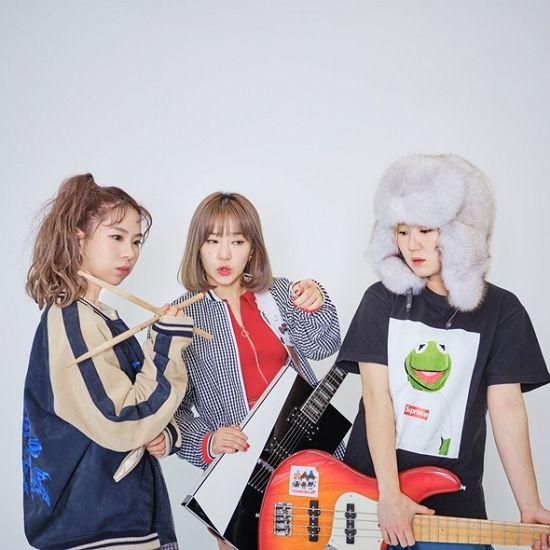 피싱걸스, 사회풍자 신곡 '응 니얼굴' 발표