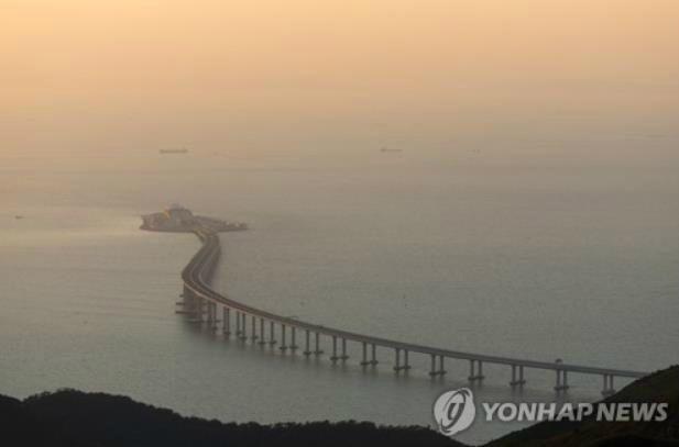 홍콩 시민 마카오로 향하는 다리 중간에서 실종…중국 소행?