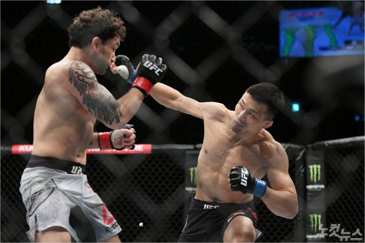 '1라운드 KO승' 정찬성, UFC서 8번째 보너스