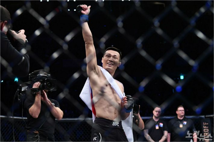 정찬성, UFC 페더급 랭킹 4위로…에드가는 6위