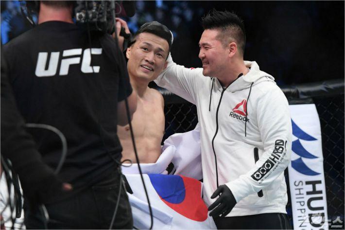 """에디 차 코치 """"정찬성, 2020년 UFC 챔피언 등극 확신"""""""