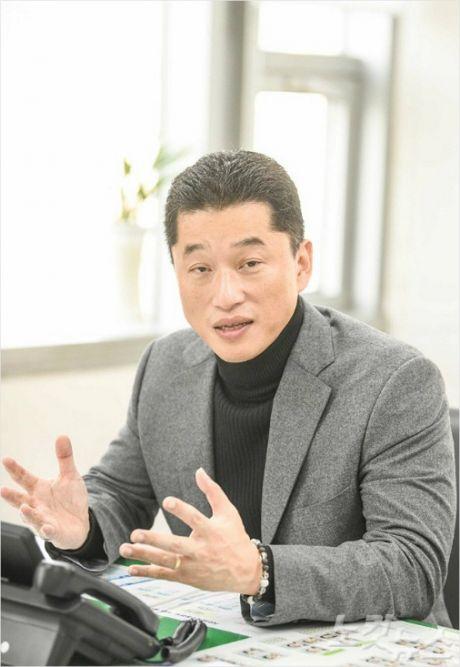 """<새해인터뷰> """"가장 낮아서, 가장 편한 정무직 될 것"""" 장형철 신임 부산시 정책수석"""