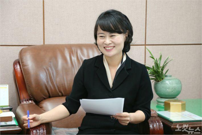"""[매거진 초대석] 박인영 부산시의회 의장 """"시민 주머니 생각하는 의회"""""""