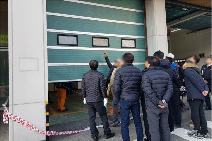 '119안전센터장 소환‧업체 압수수색' 경찰, 소방셔터 추락 전방위 수사