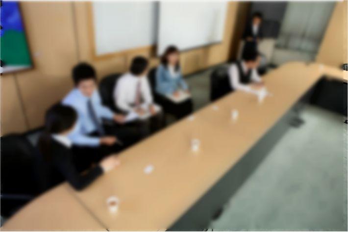 [딥뉴스]직권남용 따른 하급자…피해자일까 공범일까