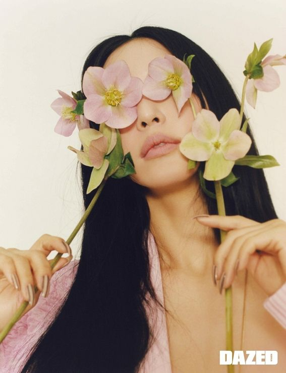 [화보] 꽃을 든 한예슬