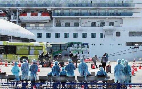 日크루즈선 하선 승객 28명 발열 증상