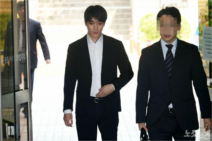 檢, '불법촬영' 최종훈에 '징역 1년 6개월' 추가 구형