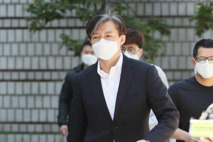 """[속보]조국 """"검찰의 왜곡·과장 혐의에 사실과 법리로 반박하겠다"""""""