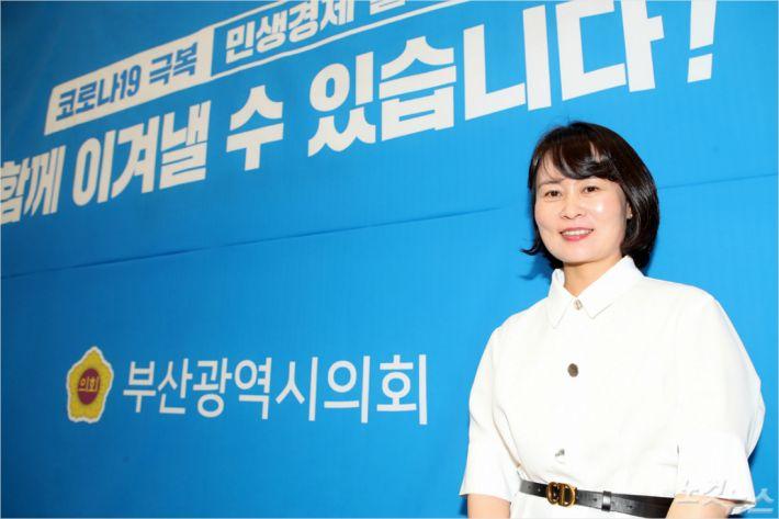 """""""시민이 중심이 되는 정치문법"""" 박인영 부산시의회 의장"""
