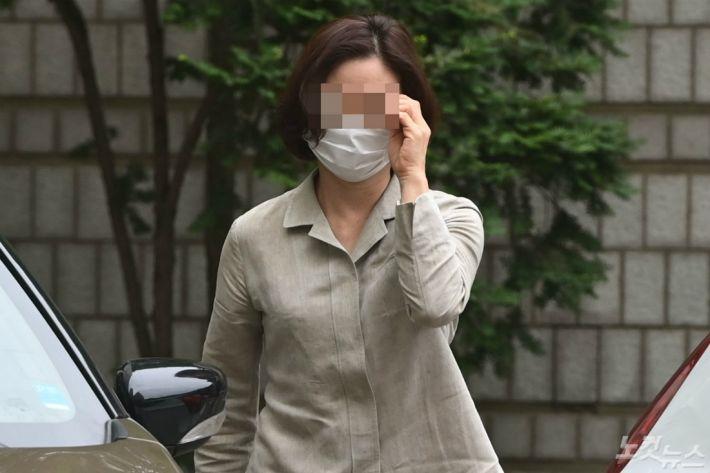 """'정경심 PC은닉' 김경록 PB 1심서 '집유'…""""수사협조 참작"""""""