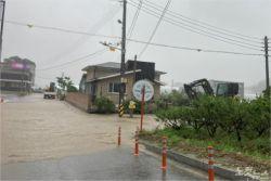 시간당 20~40mm 강한 비…도로 곳곳 침수 피해