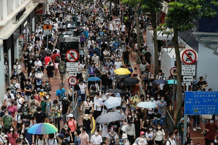 홍콩인 수천명 보안법에 격렬저항…370여명 체포돼