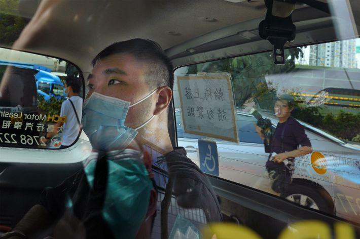 페이스북·왓츠앱, 홍콩경찰에 이용자 정보제공 중단