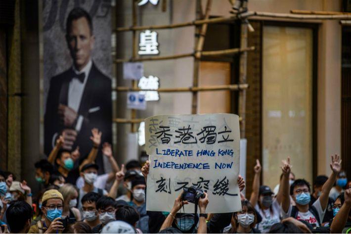 보안법 시행 이후 홍콩에서 소셜메신저 '시그널' 상한가