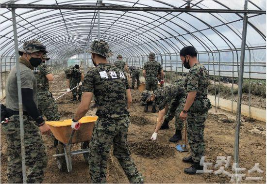 충북 증평 민·관·군 한마음 수해복구 '안간힘'